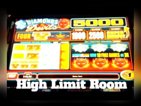 €220 Daily freeroll slot tournament at Mummys Gold Casino